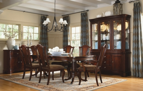 Dining Tables – Lewis Furniture Store